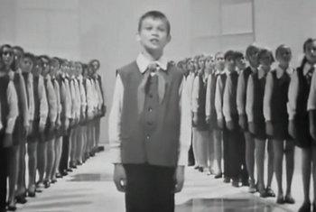 超级精彩俄罗斯小童星与少儿合唱团演唱《鳄鱼.